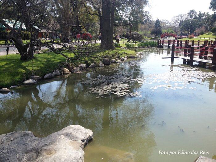 Lago de Carpas no Jardim Japonês