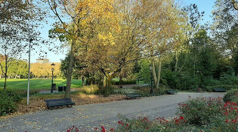 Caminho florido no Oosterpark Amsterdam